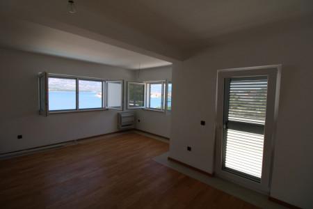 TOP LOKACIJA - Vinjerac - Ekskluzivni novi apartman s krovnom terasom 123,43m2