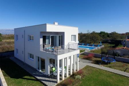 Zaton - Moderna kuća s 4 apartmana i bazenom