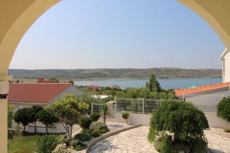 Rtina Miočići - kuća katnica 335m2 - 150m od mora