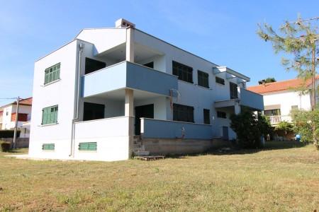TOP LOKACIJA - DIKLO - Katnica 398m2 sa dva stana i podrumom